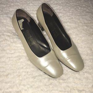 Salvatore Ferragamo shoes vintage size 8B